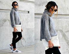 Konni L. - Grey Knit