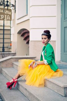 Yellow tutu skirt! Fanfaronada