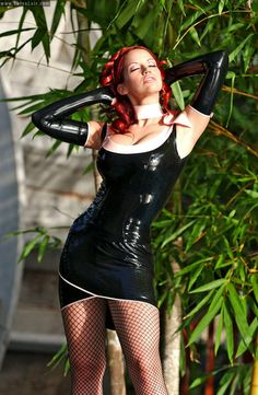 Tgp gallery post redhead latex fishnet