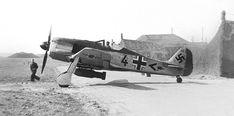 http://grafiq.ru/wp-content/uploads/2017/05/Focke-Wulf-Fw-190-A-4-U4-10-Jabo-JG-26-Saint-Omer-Wizemes.jpg