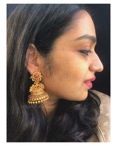 Check out this stunning antique bridal jhumas by the popular brand House of Jhumkas. Gold Earrings Models, Gold Jhumka Earrings, Gold Bridal Earrings, Jewelry Design Earrings, Gold Earrings Designs, Gold Jewellery Design, Antique Earrings, Gold Temple Jewellery, Gold Wedding Jewelry
