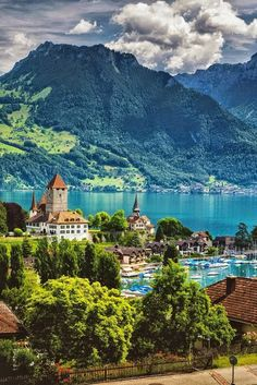 Schloss Spiez am Thunersee Spiez, Lake Thun, Switzerland Places Around The World, Oh The Places You'll Go, Places To Travel, Places To Visit, Vacation Destinations, Dream Vacations, Vacation Spots, Wonderful Places, Beautiful Places