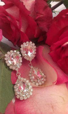 Σκουλαρίκια κρεμαστά σε ουδέτερη απόχρωση Diamond Earrings, Jewelry, Fashion, Moda, Jewlery, Jewerly, Fashion Styles, Schmuck, Jewels