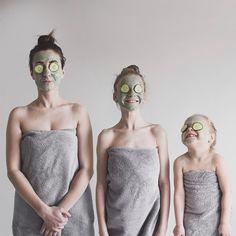 Svojím dvom dcéram nie je len mamou, ale i najlepšou kamarátkou. Rozkošné fotografie v rovnakom oblečení vás dostanú | Babské Veci