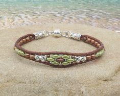 Beaded Wrap Bracelets, Beaded Jewelry, String Bracelets, Jewelry Bracelets, Beaded Leather Wraps, Leather Cord, Super Duo Beads, Leather Jewelry, Diy Leather Bracelet