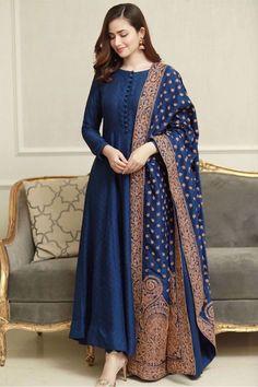 Pakistani Fashion Party Wear, Indian Fashion Dresses, Pakistani Dresses Casual, Indian Gowns Dresses, Dress Indian Style, Pakistani Dress Design, Indian Designer Outfits, Pakistani Girl, Pakistani Actress