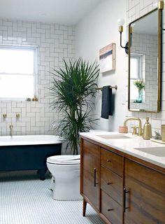 Trendy Bathroom Makeover Before And After Dark Ideas Wood Bathroom, Bathroom Flooring, Bathroom Furniture, Bathroom Small, Bathroom Lighting, Bathroom Vanities, Bathroom Cabinets, Tile Bathrooms, Furniture Vanity