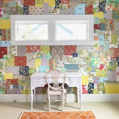 Home Decor Quotes Living room accent wall ideas using various colors Wallpaper Crafts, Wallpaper Samples, Wall Wallpaper, Diy Tapete, Accent Walls In Living Room, Living Rooms, Studios, Home Decor Quotes, Victorian Decor