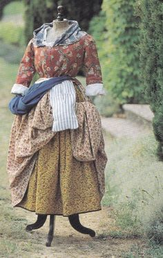 A wonderful modern version of an historical Provence costume from the 19th century. Enjoyed by www.mygrowingtraditions.com