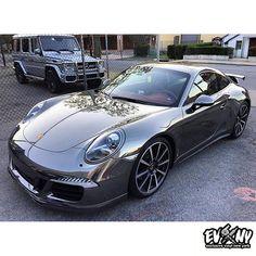 Stunning Porsche 911 Turbo wrap in Avery Dennison SW900 Black Chrome. Thanks Exclusive Vinyl, exclusivevinyl.com