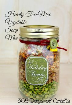 Tex Mex Vegetable soup is a yummy gift idea. Soups in a jar are one of our favor. - Tex Mex Vegetable soup is a yummy gift idea. Soups in a jar are one of our favorite gifts from the - Pot Mason, Mason Jar Crafts, Mason Jar Diy, Gifts In Mason Jars, Gift Jars, Dry Soup Mix, Soup Mixes, Tex Mex, Mason Jar Mixes