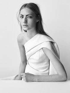 Cutout Dress - innovative pattern cutting; contemporary fashion details // Narciso Rodriguez Resort 2017