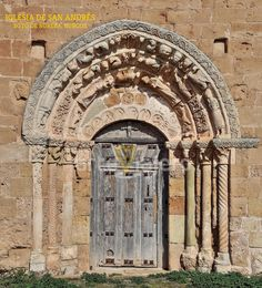 Architecture Romane, Architecture Design, Architecture Religieuse, Romanesque Art, Spain And Portugal, Green Man, Interesting Faces, Doorway, Middle Ages