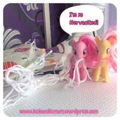 Parachutes for toys! | Kaboodlemum