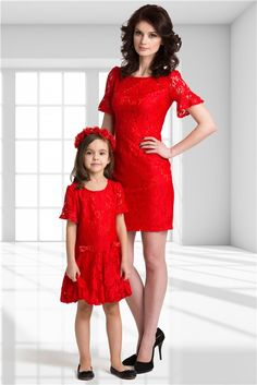 """""""Wearing red dresses, Mommy and I stand out in a crowd>"""" Mommy And Me Shirt, Mommy And Me Outfits, Kids Outfits, Mother Daughter Fashion, Mom Daughter, Fashion Kids, Little Girl Dresses, Girls Dresses, Princes Dress"""