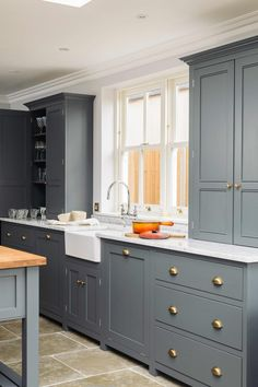 Bespoke Kitchens by deVOL - Classic Georgian style English Kitchens Living Room Kitchen, Kitchen And Bath, Kitchen Decor, Family Kitchen, Kitchen Ideas, Rustic Kitchen, English Country Kitchens, Country Kitchen Designs, Howdens Kitchens