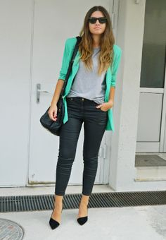 Loving the green blazer // Elle Adore Style: Sunday morning