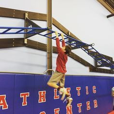 Monkey bar climb