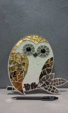Painted Glass Art Old Windows Glass Artists Texture Mosaic Art Projects, Mosaic Crafts, Stained Glass Projects, Stained Glass Art, Stained Glass Patterns, Owl Mosaic, Mosaic Tile Art, Mosaic Birds, Mosaics