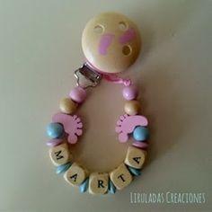 Liruladas Creaciones: Recién salidito del horno.... Kids Jewelry, Crochet Toys, Chain, Christmas Ornaments, Holiday Decor, Amor, Pacifiers, Oven, The Creation