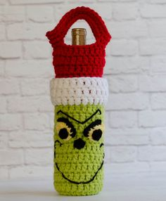 Crochet Handbags Ravelry: Grinch Wine Cozy pattern by Crochet 365 Knit Too - Crochet Christmas Gifts, Christmas Crochet Patterns, Holiday Crochet, Christmas Knitting, Crochet Gifts, Crochet Ornaments, Crochet Snowflakes, Crochet Cozy, Crochet Geek