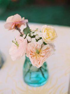 Pretty flowers: http://www.stylemepretty.com/2015/08/11/youtube-stars-colleen-ballinger-joshua-evans-wedding/ | Photography: Britta Marie - http://brittamariephotography.com/