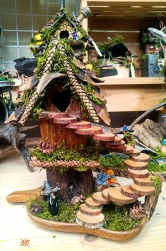 Whimsical foraged fairy houses you would think were actually made by fairies unique diy fairy garden et furniture design ga Fairy Garden Houses, Gnome Garden, Fairies Garden, Garden Paths, Diy Fairy House, Fairy Gardening, Indoor Gardening, Organic Gardening, Fairy Crafts