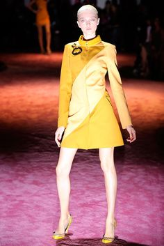 Zac Posen Spring 2010 Ready-to-Wear - Collection - Gallery - Look 1 - Style.com