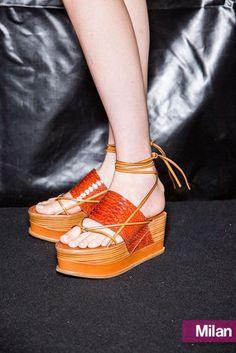 Tendenze scarpe primavera estate 2015 sandali con platform stile giapponese