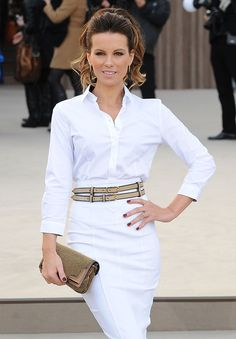 The Many Bags of Kate Beckinsale Kate Beckinsale Pictures, Burberry Prorsum, Celebs, Celebrities, White Jeans, Take That, Bags, Clothes, Target