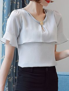Specifications Product Name: V-Neck Decorative Hardware Plain Bell Sleeve Blouse Weight: 110(g) Occasion: Date More Details: Decorative Hardware Season: Summer Sleeve Type: Bell Sleeve Sleeve: Short Sleeve Material: Chiffon Pattern Type: Plain Collar&neckline: V-neck Size chart as a reference: Sleeve Length Shoulder Length Bust s Inchcm 1025 1333 2359 3384 m Inchcm 1026 1334 2460 3588 l Inchcm 1127 1435 2461 3692 xl Inchcm 1128 1436 2462 3896 xxl Inchcm 1129 1537 2563 39100 More Pictures