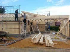 MCB Holzhausbau - Pause beim Carport Bau ? NUR HOLZ Vollholzhaus Montage Niederkrüchten - Bauplanung gerne mit unserem Holzhaus Architekten Team - http://www.zimmerei-massivholzbau.de
