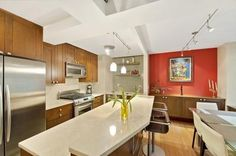 modern eat-in kitchen