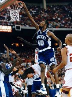 Walter McCarty Kentucky College Basketball, Uk Wildcats Basketball, Basketball Legends, Kentucky Wildcats, Team Player, Nba Players, Go Big Blue, National Championship