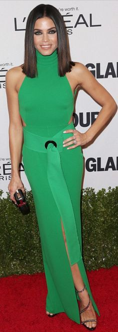 8096489a5cf5 Who made Jenna Dewan-Tatum s green halter gown and black crystal sandals
