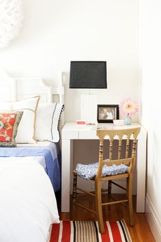 18 Absolutely Beautiful Tiny Bedrooms via @MyDomaine