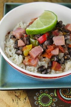 Ham with Orca Beans and Rice is a delicious, comforting and healthy meal. Bean Recipes, Side Dish Recipes, Barbecue Side Dishes, Vegan Wine, Homemade Taco Seasoning, Crock Pot Soup, Cooking Recipes, Healthy Recipes, Recipe Today
