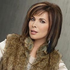 days of our lives kate roberts hairstyles | Lauren Koslow Bio | Kate Roberts | Days of our Lives | NBC I love her hair color and cut.