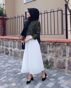 Hijab Fashion Selection of special veiled trendy looks Islamic Fashion, Muslim Fashion, Modest Fashion, Eid Outfits, Casual Skirt Outfits, Fashion Outfits, Fashion Trends, Hijab Elegante, Hijab Chic