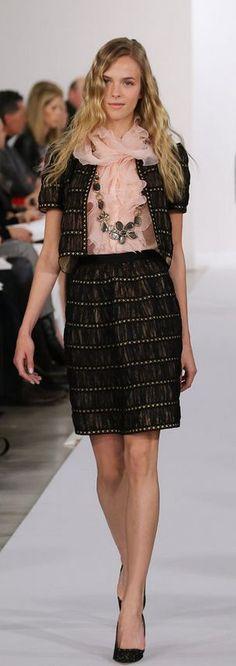 #Oscar De La Renta Pre-Fall 2013 Collection Office Fashion, Work Fashion, Runway Fashion, Fashion Beauty, Fashion Show, Fashion Outfits, Womens Fashion, Fashion Rocks, Fashion Advice