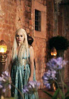 Emilia Clarke as Daenerys Targaryen in Game of Thrones (TV Series)