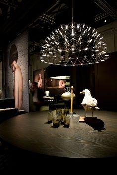 'Raimond Dome 79' - Ontwerper: Raimond Puts  - Prijs: €2453 - Materiaal: roestvrijstaal - Site: http://www.moooi.com/products/raimond-dome-79