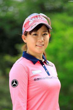 Beautiful Athletes, Golf Fashion, Ladies Golf, Sport Girl, Asian Woman, Natural Health, Rain Jacket, Windbreaker, Beautiful Women