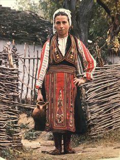 Vlach woman dress. Vërtop, Albania. Romanian Language, Greek Language, Folk Clothing, Europe Fashion, Modern History, Present Day, World Cultures, First World, Greece