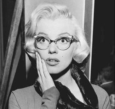 Marilyn Monroe Eye wear Look