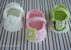 Mary Jane baby shoes (fondant)