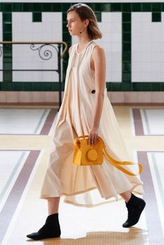 Lemaire Spring/Summer 2017 Ready-To-Wear Collection | British Vogue