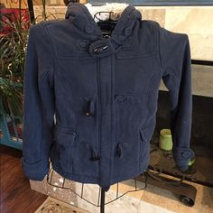 American Eagle heavy weight fall jacket Worn many times, has some wear as far as color fading and very minimal pilling around a few seams. Size small, is a looser fit. It is very warm and comfortable to wear. I'm Reno/Tahoe area, totally worked when in Tahoe for lunch, etc... During Winter season. American Eagle Outfitters Jackets & Coats Utility Jackets