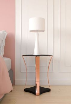 Elegant style black and rose gold nightstand table. Rose Gold Vase, Rose Gold Wall Art, Gold Wall Clock, Rose Gold Decor, Gold Bedroom Decor, Bedroom Ideas, Rose Gold Bedroom Accessories, Rose Gold Picture Frame, Ideas