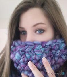 Finger Crochet Cowl - Free finger crochet pattern plus video tutorial (including LEFT HANDED version) from B.hooked Crochet.